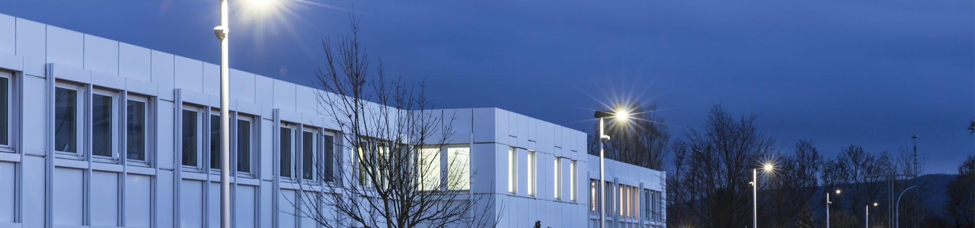 Aussenbeleuchtung Fassade led fassaden und anbauleuchte für eingansbereiche